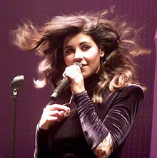 Marina & the Diamonds Roundhouse (Camden, UK, 2010).jpg