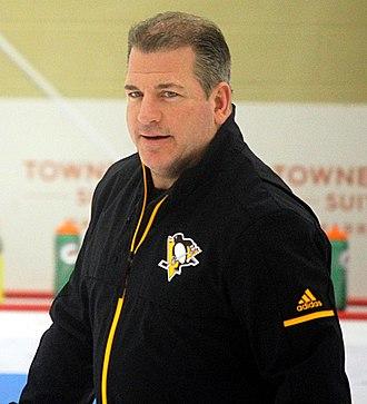 Mark Recchi - Recchi coaching the Penguins in 2018