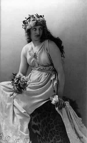 Mary Anderson (actress, born 1859) - Image: Mary Anderson as Perdita by Henry Van der Weyde 1887