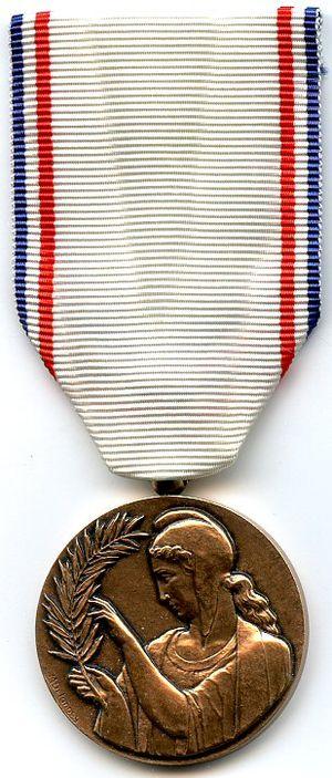 Medal of French Gratitude - Image: Medaille de la reconnaissance francaise AVERS