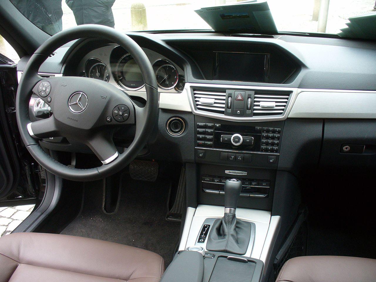Mercedes benz w212 e 220 cdi avantgarde 7 g tronic for Mercedes benz us open