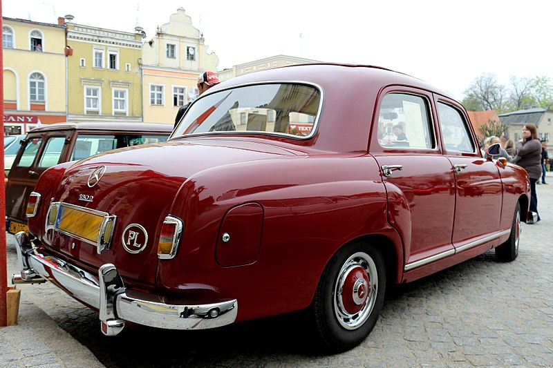 Файл:Mercedes-benz-180D-W120-1954-20130502-db-unreg.jpg
