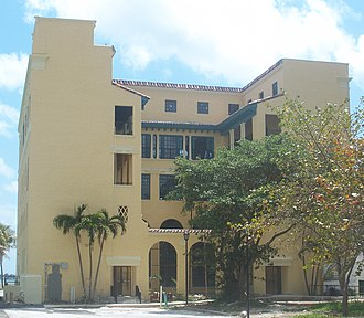 Miami Women's Club - Image: Miami FL Womans Club library 01