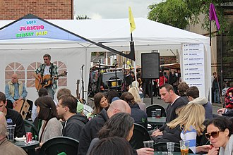 Canal Street, Oxford - Image: Mick Clack at the Jericho Street Fair