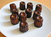 Mini canneles bordelais.jpg