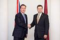Ministru prezidenta Valda Dombrovska tikšanās ar Apvienotās Karalistes Ministru prezidentu Deividu Kameronu (8515582640).jpg