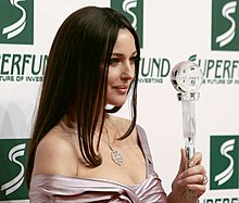 Monica Bellucci al ritiro del Women's World Award nel 2009