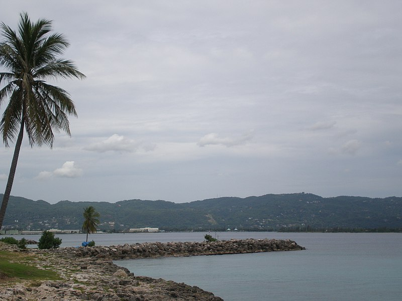 File:Montego Bay - View to hills of Jamaica - panoramio.jpg