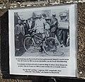Monument Gehangenen van Moelingen 9 plaquette Marcel Kerff.jpg