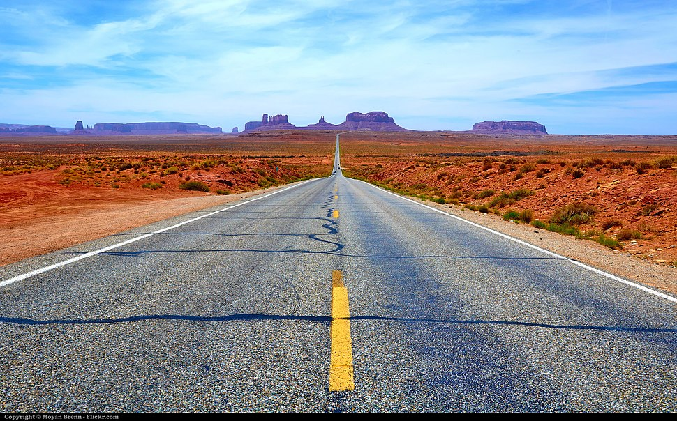 Monument Valley road.jpg
