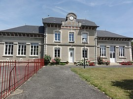 The town hall of Moussy-Verneuil