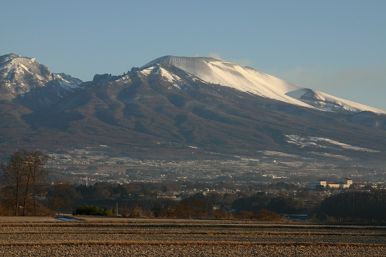 File Mt Asama From Saku City Jpg Wikimedia Commons