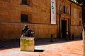 Mujer sentada (Oviedo) (3).jpg