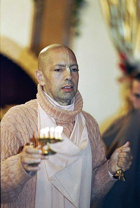 Mukunda Goswami at Moscow ISKCON Temple (1997).jpg