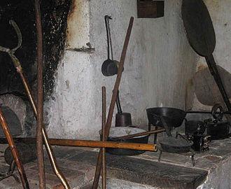 Hob (hearth) - Image: Muljava odprto ognjisce