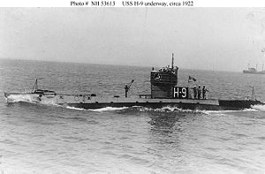 NH-53613 USS H-9 underway, circa 1922.jpg