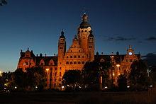 Neues Rathaus Leipzig bei Nacht.jpg