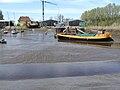 Neuhaus (Oste) 2007 -Hafen bei Ebbe Werft- by-RaBoe 01.jpg