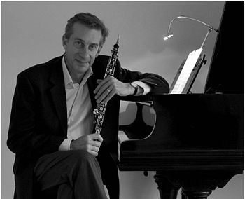 English: Niels Eje with oboe