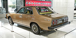 Nissan Skyline C211 2000 GT-EL 002.jpg