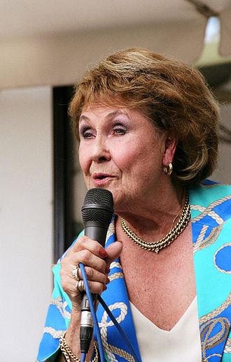 Rita Reys - Reys performing in Hotel De Watergeus, Noorden, the Netherlands, in 2004