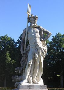 Nymphenburg-Statue-3c.jpg