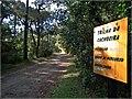 O parque é muito bem sinalizado, com diversas placas contendo mapas, informações sobre a vegetação, os animais, as trilhas e cachoeiras entre outros. - panoramio.jpg