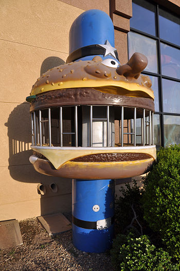 English: An Officer Big Mac jailhouse with a m...
