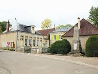 Oisy-FR-58-mairie-école & monument aux morts-1.jpg
