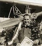 Onderscheiding van Dhr. Frits Koolhoven voor vlucht met twee-zitter Pander. Waalhaven 20 juni 1920.jpg