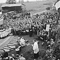 Onthulling van het heropgerichte kruis in America, Bestanddeelnr 900-6521.jpg