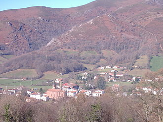 Ossès - Church in the center of the village