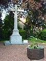 Oxelaëre (Nord, Fr) monument aux morts.JPG
