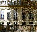 P1280139 Paris IV Jardin des Rosiers Facade hotel Barbes rwk.jpg