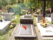 Grób Kazimierza Dejmka na Cmentarzu Komunalnym na Dołach w Łodzi 21 maja 2007