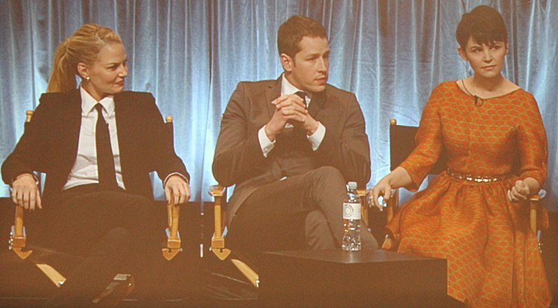 File:Paleyfest 2012 Once Upon a Time - Jennifer Morrison, Josh Dallas, Ginnifer Goodwin 09 (cropped).jpg