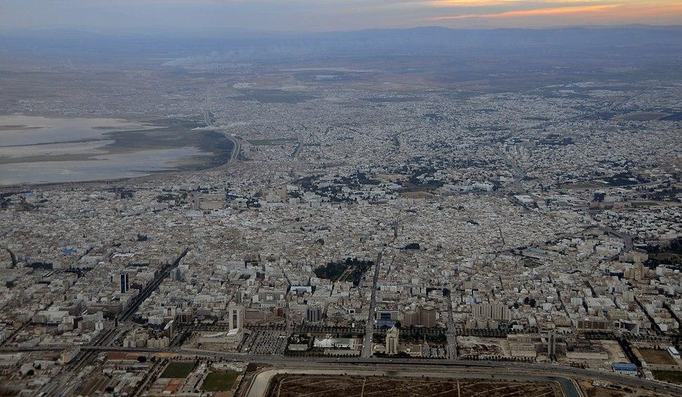 Panoramique du centre de Tunis (3197369985) (cropped)