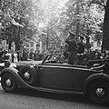 Parade over het Lange Voorhout Prins Bernhard en commandant De Ruyter van Steve, Bestanddeelnr 900-5381.jpg