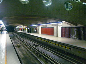 Park Avenue station (Montreal) - Image: Parc Montreal Metro