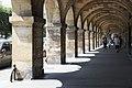 Paris 3e Place des Vosges Arcades 896.jpg