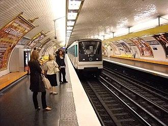 Billancourt (Paris Métro) - Image: Paris metro Billancourt 4