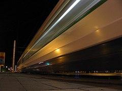 Passage de tram - Nantes.jpg