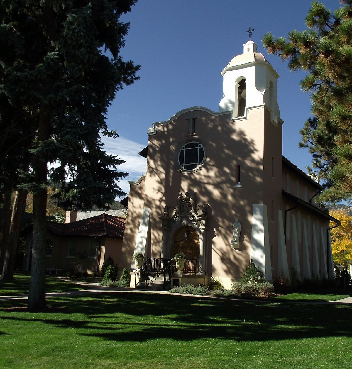 Pauline Chapel (Colorado Springs, Colorado)