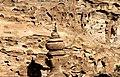 Petra-El Deir-Klostergrab-24-Urne-Kletterer-2010-gje.jpg