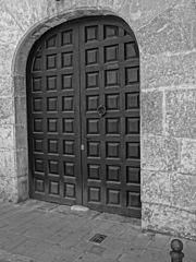 Photography by David Adam Kess, España, Aranda de Duero, Hand Carved Wooden Door, pic.bbb5.jpg
