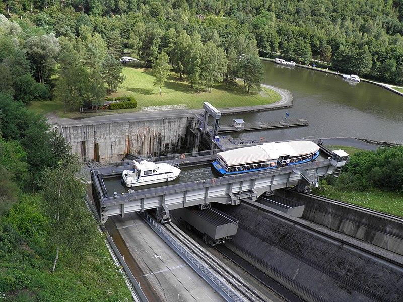 Plan incliné - bac et contre-poids (Saint-Louis, Moselle, France)