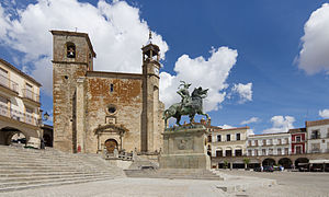 Trujillo, Cáceres - Image: Plaza Mayor de Trujillo 01