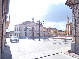 Plaza mayor de Adanero (Ávila).JPG