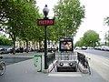 Pont Marie métro 01.jpg