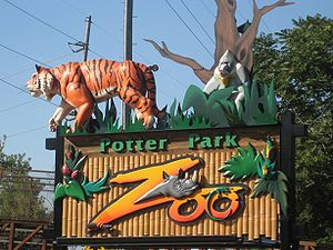 Potter Park Zoo - Zoo entrance sign along Pennsylvania Avenue
